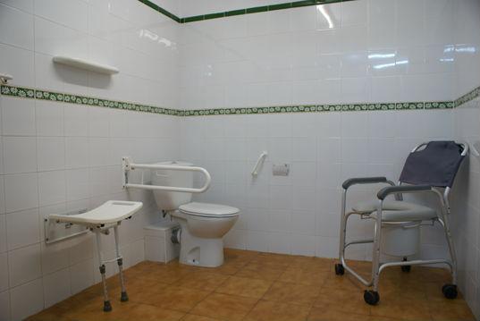 sala baño geriatrico
